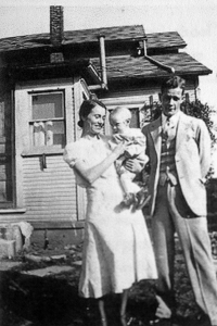 Jerry with his parents 1933